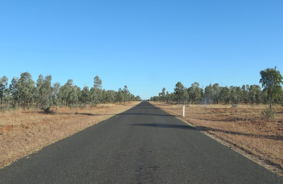 road leadng into australian outback