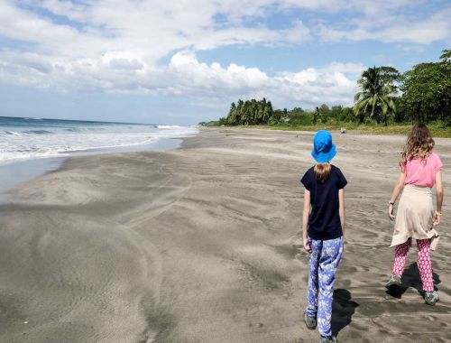 Costa Rica for kids, walk on the beach