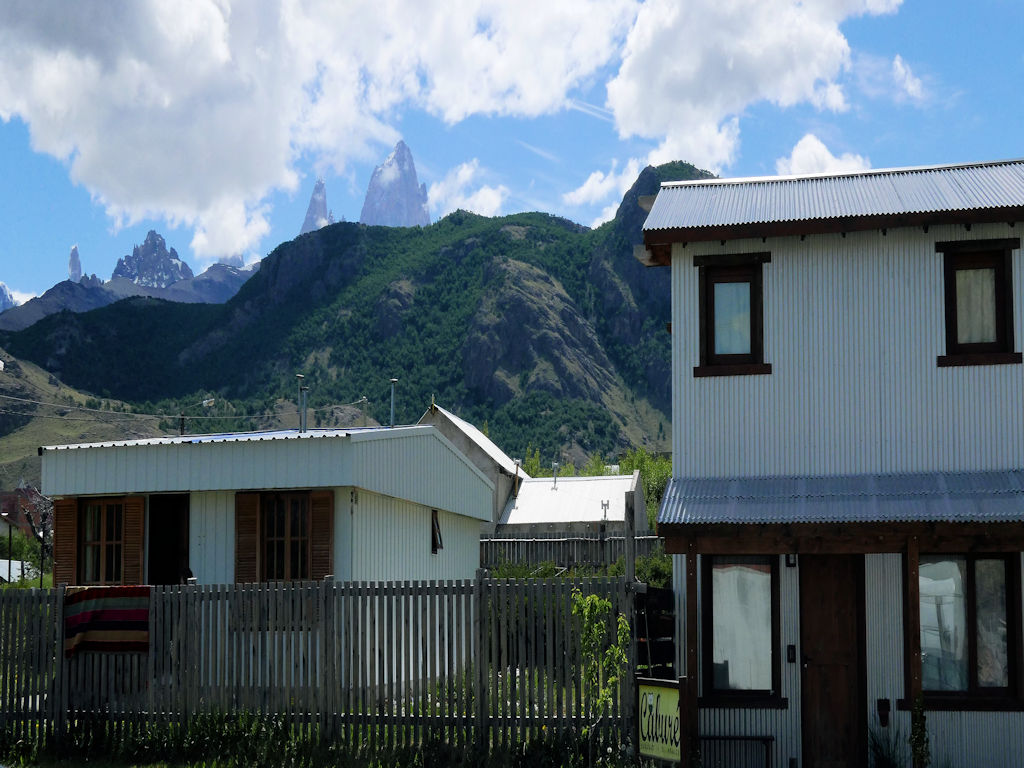 Pataigonia with kids, small house in front of Fitz Roy Massif mountains