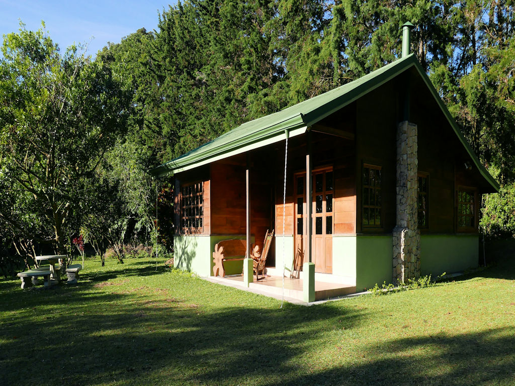 log cabin in woods, Costa Rica with kids